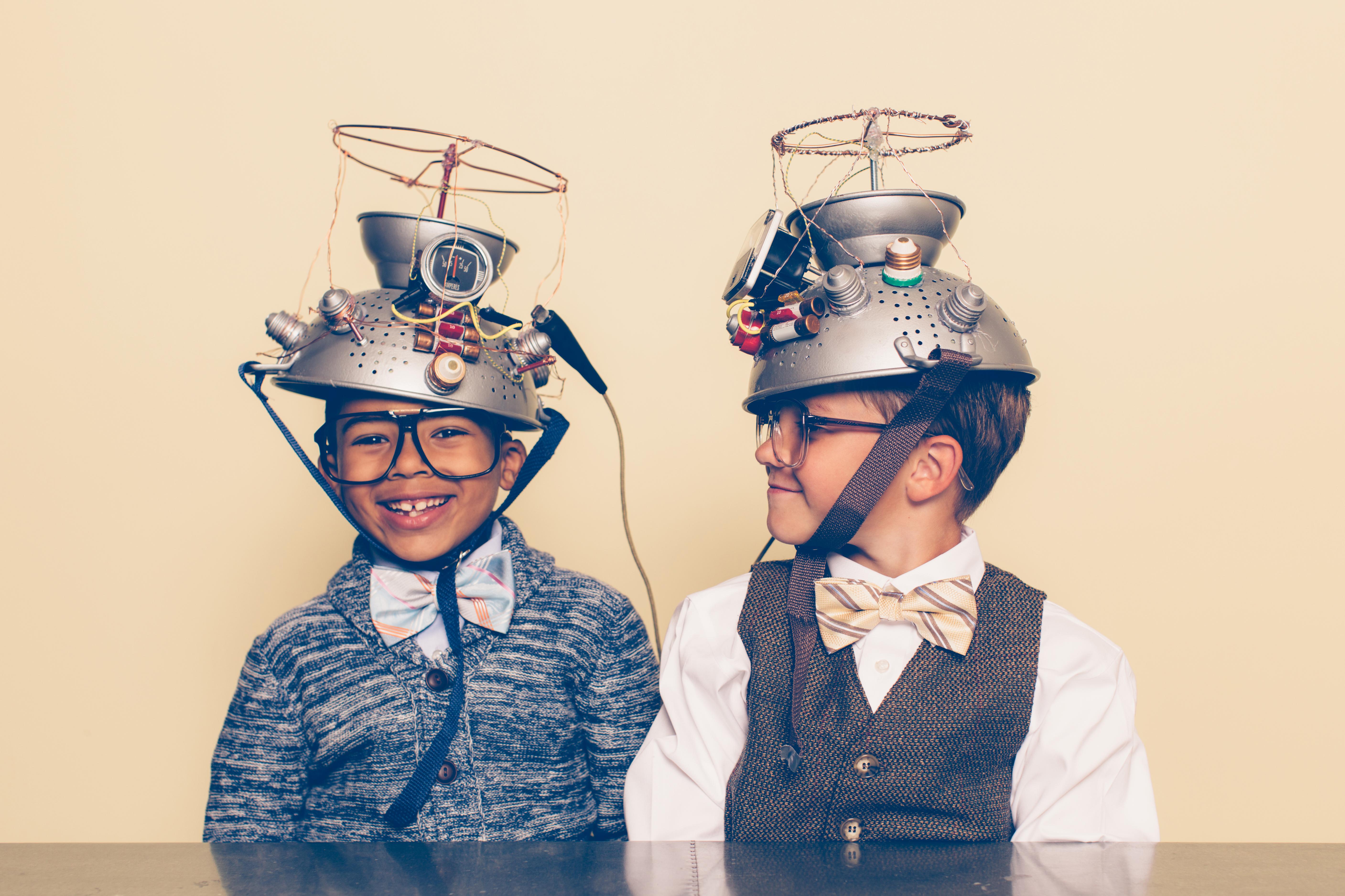 iStock-545249650-kids-helmets-technology